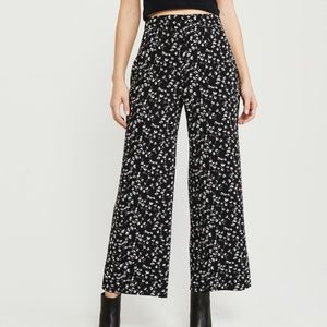 Abercrombie and Fitch Wide Leg Pants